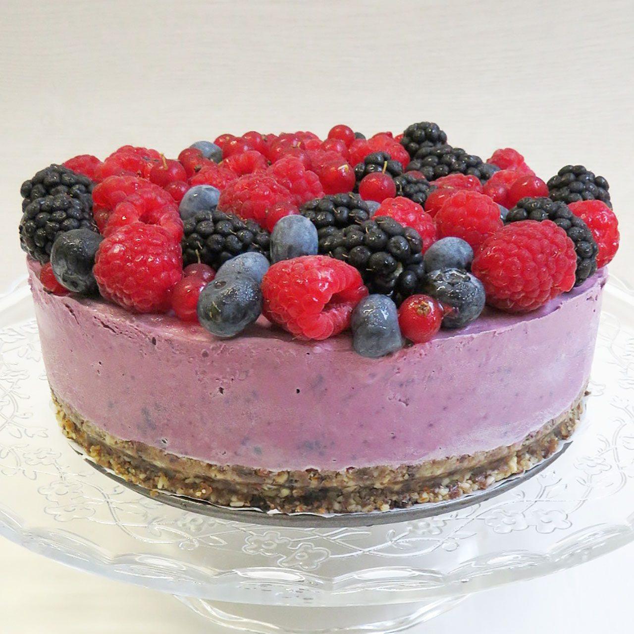 Tarta helada de frutos rojos