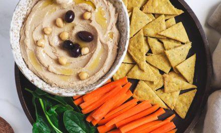 Nachos de Garbanzos y Hummus de Olivada