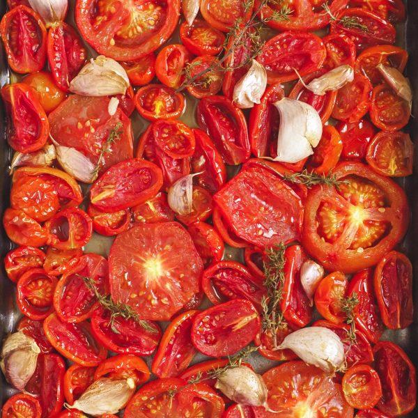Tomates asados con tomillo y ajo